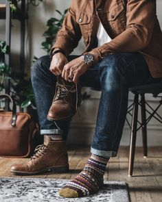 Gentleman Style 117304765283954666 - Source by themimushow Outfit Hombre Casual, Casual Outfits, Winter Outfits Men, Gentleman Mode, Gentleman Style, Mens Boots Fashion, Boy Fashion, Mens Outdoor Fashion, Stylish Men