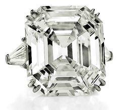 Richard Burton's first jewelry purchase for Elizabeth Taylor was the 33.19-carat Asscher-cut Krupp Diamond, in 1968.