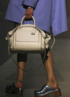 Iconic details Iconic design #Coach #ThrowbackThursday #tbt Willis Bag introduced ca.1993 (?)
