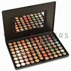 Ottieni uno stile glamour con la palette da 88 colori altamente pigmentati e dai toni naturali.