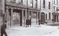 Old Dublin Photos - Old Dublin Town Ireland Pictures, Old Pictures, Old Photos, Dublin Street, Dublin City, Irish Independence, Ireland Homes, Photo Engraving, Dublin Ireland