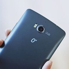 """""""You can get DSLR-quality photos with its 13MP ultra HD camera. No need to worry about blurry or noisy images in low light situations because the phone features an F/2.0 Aperture and Back Side Illumination."""" via @smcyberzone  #OplusUSA #OplusCompactPro #ProCameraPhone #photographerschoice #tech #trends #mobile #gadget #techie"""