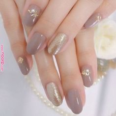 48 Ideas Wedding Nails Glitter Gold Simple For 2019 Classy Nails, Simple Nails, Trendy Nails, Gray Nails, Glitter Nails, Fun Nails, Gold Glitter, Gold Nail, Sparkle Nails