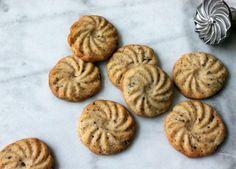 Supernemme småkager med chokolade og mandler