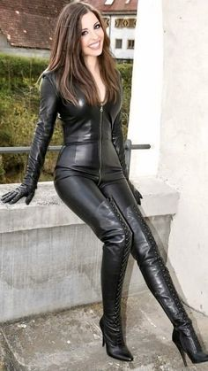 Leather Jumpsuit, Leder Outfits, Thigh High Boots Heels, Sexy Boots, Black Boots, Leather Dresses, Leather Gloves, High Leather Boots, Leather Fashion