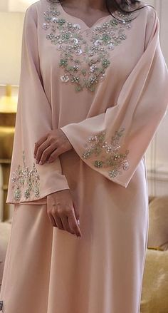 Abaya Fashion, Muslim Fashion, Denim Fashion, Couture Fashion, Fashion Dresses, Abaya Designs, Saree Blouse Designs, Best Gowns, Arabic Dress