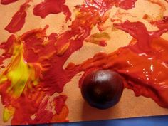 Bonkers about conkers: 10 amazing ways to play with the acorns and conkers that fill up your pockets at this time of year Autumn Painting, Autumn Art, Autumn Theme, Autumn Ideas, Preschool Painting, Preschool Crafts, Preschool Rules, Painting Activities, Preschool Ideas