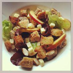 Lykkes Lækkerier: Æblesalat med kylling og cheddar