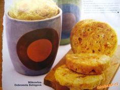 Houskové knedlíky z mikrovlnky za 8minut.. Božíííí...... 3 vajíčka,3 rohlíky nebo housky (nově mám vzkoušeny burizony-pufovaná rýže/celý sáček a už nedávejte housky!! ) ,250g polohr.mouky,400ml mléka,špetku prášku do pečiva,trošku soli .Máslo(olej) a strouhanku(hr.mouka nebo krupička ) na vymaštění a vysypání hrnečků  POSTUP PŘÍPRAVY  4 čtvrlitrové hrnečky vymaštěte máslem ( nebo olej a mašlovačka) a vysypte strouhankou(třeba i kukuřičnou). Rohlíky nakrájejte na kostičky (pokud dáváte…