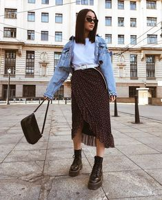 80 Cool And Stylish Summer Outfits With Skirts For Teens Stylish Summer Outfits, Fall Outfits, Casual Outfits, Pretty Outfits, Cute Outfits, Modest Fashion, Fashion Outfits, Mode Simple, Skirt Outfits