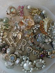 Mom had lots of jewlry just like this. A friend of hers went to N.Y. to buy stuff for her store and always brought back the prettiest things. Wish I knew where they went to.