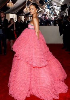 What do you think of Rihanna's princess-like Giambattista Valli gown at the 2015 Grammys?