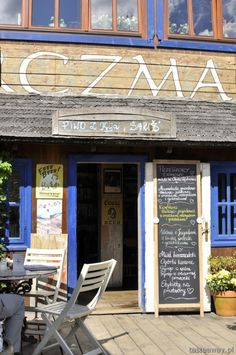 We heard about this place 100 times before we came to Bieszczady. Chata Wędrowca in Wetlina. An amazing place with even more amazing story behind it. Scouts, All Over The World, Poland, Love Story, The Good Place, Places, Food, Boy Scouts, Essen
