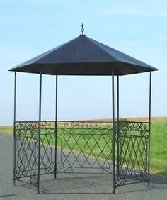style ancien kiosque tonnelle gloriette chapiteau avec toit fer de jardin