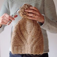 Ravelry: Fidra pattern by Gudrun Johnston I've just bought this pattern as it looks so lovely and perfect for some yarn I have :) Ravelry, Loom Knitting, Hand Knitting, Knitting Patterns, Crochet Patterns, Knit Crochet, Crochet Hats, Knitting Accessories, Garter Stitch