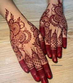 Pretty Henna Designs, Modern Henna Designs, Indian Henna Designs, Latest Arabic Mehndi Designs, Floral Henna Designs, Henna Tattoo Designs Simple, Back Hand Mehndi Designs, Henna Art Designs, Mehndi Designs For Beginners