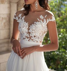 Welcome to our Store.thanks for your interested in our gowns.As a manufacturer specializing in producing top-grade wedding gowns. Wedding-dresses' gowns is selected high-quality fabric.it is crafted w..