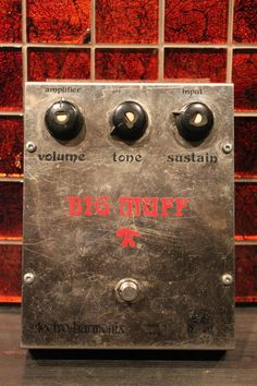 """Electro Harmonix Big Muff V2 """"White Can"""" Ram's Head 1974 Rare Vintage Excellent Working Condition"""