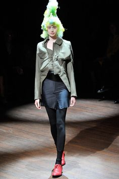 Comme des Garçons Spring 2010 Ready-to-Wear Fashion Show - Justine Boomers (ELITE)