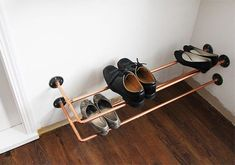 Bathroom makeover Shoe Storage Diy Pipe Ideas If you want to get Best Shoe Rack, Diy Shoe Rack, Shoe Racks, Closet Shoe Storage, Closet Shelves, Shoe Closet, Copper Shoes, Shoe Tidy, Diy Pipe
