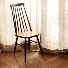 Koos and vintage furniture.