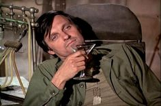 "Alan Alda as Hawkeye, from the TV show ""M*A*S*H.""thinking of you Movie List, Movie Tv, Fake Life, Alan Alda, Tv Doctors, Old Shows, Great Tv Shows, Old Tv, Hawkeye"