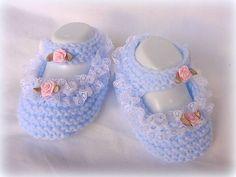 layette chaussons tricoté bleu bébé 0 à 3 mois : Mode Bébé par danielaine-tricots-enfants