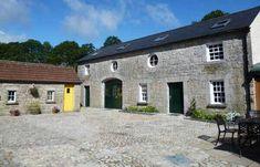 House Renovation Ireland, Farmhouse Renovation, Building Windows, Stone Farms, Agricultural Buildings, Timber Windows, Ireland Homes, Gate House, Courtyard House