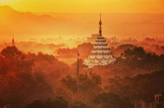 Sunrise over Mandalay  Myanmar. I travelled with @pandawcruises1 on my #cruise on the Irrawaddy River. #Pandaw #Myanmar