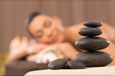 Similar to Swedish and deep tissue massage, hot stone massage therapy relaxes your muscles for a satisfying and therapeutic massage therapy session. Stone Massage, Spa Massage, Reflexology Massage, Spa Therapy, Massage Therapy, Ayurvedic Spa, Holistic Massage, Mini Facial, Massage Techniques