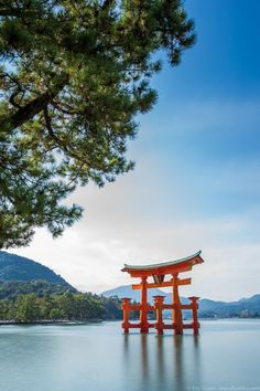 Places to see in Japan - The torii gate of Itsukushima Shrine on Miyajima island