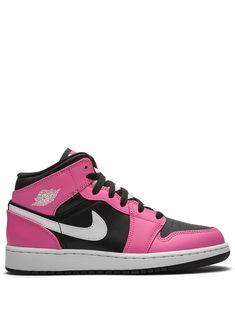 Pink And Black Nikes, Pink Nikes, Pink Black, Cute Sneakers, Sneakers Nike, Sneakers Fashion, Fashion Shoes, Jordan 1 Mid, Air Jordan