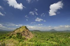 Sri Lanka - Sanftes Abenteuer im Rhythmus des Mondes. Unternehmen Sie Fahrradtouren entlang Kokos- und Teeplantagen oder Wanderungen durch Reisfelder und unberührte Berggebiete.