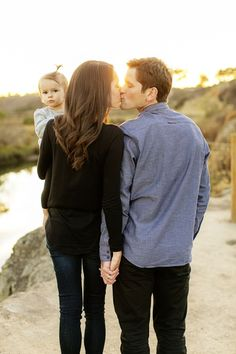 Too too cute! LOVE this! #family #photography #familyphotography