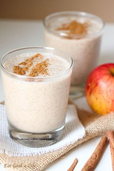 One of my Favorite Things are Smoothies and Apple Pie is the Best! Can't Wait to Try. Apple Pie Smoothie, Vegan Smoothies, Smoothie Drinks, Smoothie Bowl, Yummy Drinks, Healthy Drinks, Yummy Food, Apple Recipes, Organic Recipes