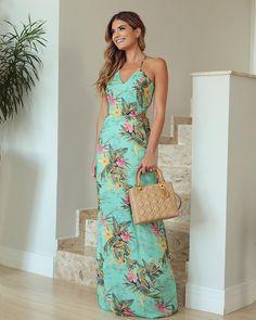 459753feb2 Vestido azul Tiffany  80 maneiras de usar essa cor vibrante e sofisticada