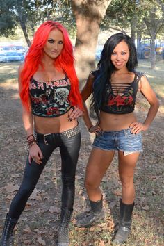 Heidi Shepherd & Carla Harvey of Butcher Barbies Heavy Metal Girl, Heavy Metal Fashion, Heavy Metal Music, Rocker Girl, Rocker Chick, Guitar Girl, Body Wave Weave, Butcher Babies, Ladies Of Metal