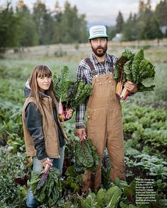 Organic Gardening Supplies Needed For Newbies A Story We Photographed For Eatingwell About Tumbleweedfarm In Hood River Farm Clothes, Farm Lifestyle, Future Farms, Diy Garden, Garden Paths, Farm Gardens, Organic Farming, Gardening For Beginners, Lifestyle Photography