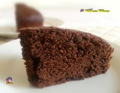 TORTA SENZA LIEVITO AL CACAO ,un dolce veloce da preparare Emoticon smile #gialloblogs http://blog.giallozafferano.it/lacucinadimarge/torta-senza-lievito-al-cacao/