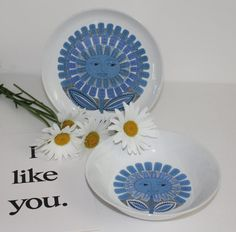 Hey, I found this really awesome Etsy listing at https://www.etsy.com/uk/listing/453499830/daisy-pattern-plate-or-bowl-by-arabia