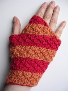 Knitting Pattern for Easy Twister Mitts