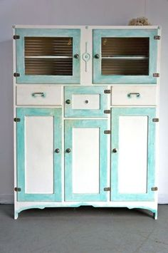 Amazing Looking For A Retro Style Kitchen Hutch Like This One