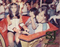 #786 : Lá em 1997 ano que o Gugu fazia muito sucesso , tinha monte de produtos licenciados ,uma loja e um parque em um shopping de São Paulo ..Era um negocio legal e conceituado .Na época alguns artistas realizavam sonhos de fãs iam passar uma tarde brincado no parque do Gugu ..Entre os artistas Sandy e Junior participaram e levaram um fã para um tarde de alegria no parque . Saíram algumas fotos e até uma matéria no domingo legal sobre ...