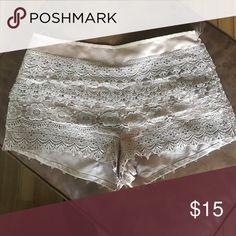Pattern shorts Light pink with lace Shorts Bermudas