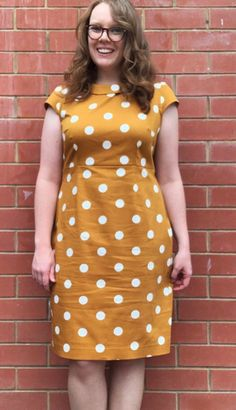 Amy's Etta Dress - Sewing pattern by Tilly and the Buttons Will Turner, Tilly And The Buttons, Vogue, Vintage Stil, Overall, Lady, Sewing Patterns, Polka Dots, Short Sleeve Dresses