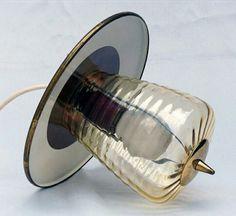 Online veilinghuis Catawiki: Vintage hang lamp met geribbeld glazen kap
