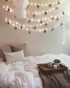 22 Ways To Decorate With String Lights For The Coolest Bedroom ...