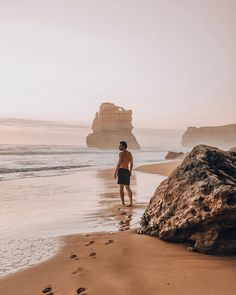 We made it already to Port Lincoln. A small town in south Australia and I am currently laying in… Australia Beach, Australia Map, Kangaroo Island, Stay The Night, Beach Trip, Small Towns, Lincoln, Monument Valley, Beaches