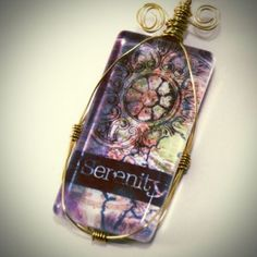 jewelry making obsession, today's post will cover this gorgeous wire wrapping technique. You do not need wire wrapping experience to be able to pull this off. The example shown here is a rectangular glass tile, but you can apply the lesson to virtually any pendant