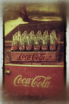 Coca-Cola Cooler, antique wooden case, and 24 Coca Cola Bottles. I love coke. Coca Cola Cooler, Coca Cola Ad, Always Coca Cola, Coca Cola Bottles, Soda Bottles, Glass Bottles, Images Vintage, Vintage Design, Vintage Ads